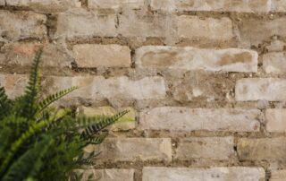 Detalle pared de ladrillo caravista interior - Idea decoración para reformar piso