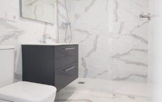 Reforma de Baño - Plato de Ducha, Mampara, Sanitarios, Muebles de Baño, Azulejos